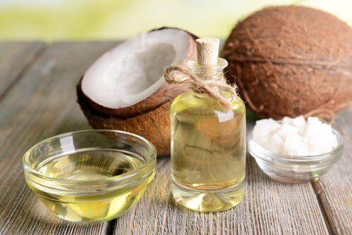 Kokosolja till ögonfransarna