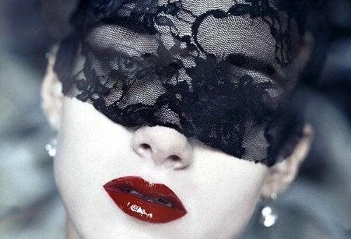 2-maskerad-kvinna