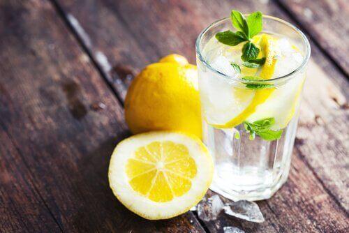Citron med vatten