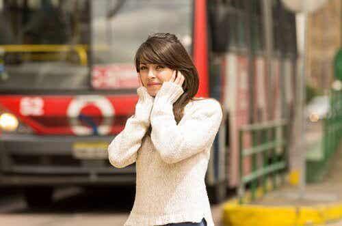 8 förbisedda orsaker till migrän du bör känna till