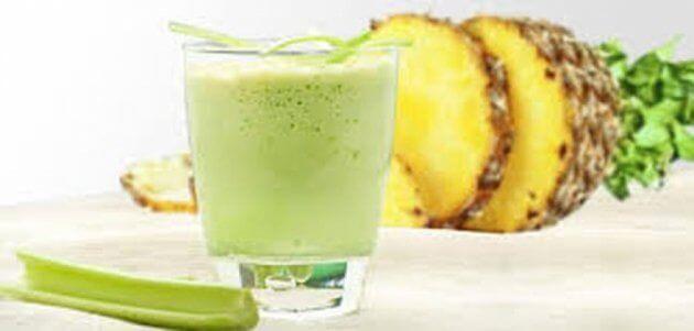 Ananas-och-sellerismoothie