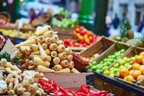 Frankrike förbjuder matsvinn i matbutiker