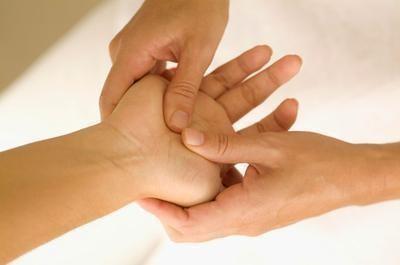 Handmassage för att få ny energi