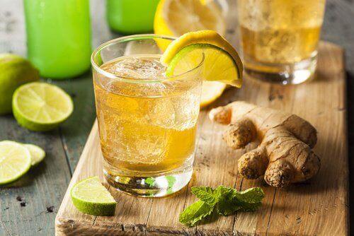 Lindra migrän med citron- och ingefärsdryck