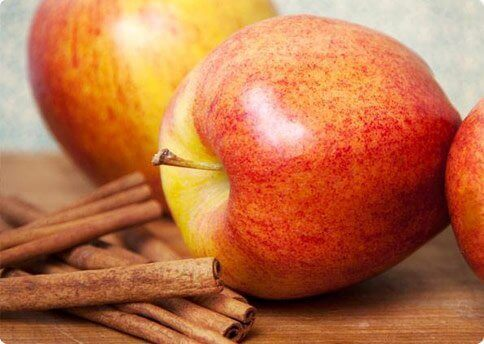 2-apples-and-cinnamon
