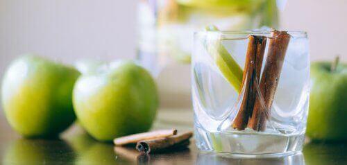 3-green-apple-and-cinnamon