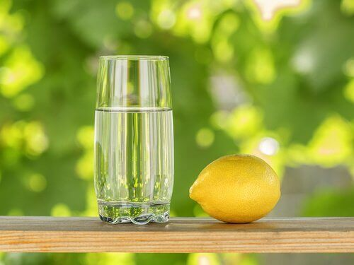 Citroner är ett av de vanligaste livsmedlen för att avgifta kroppen