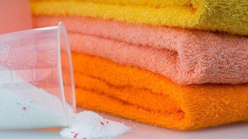 5 enkla trick för att få mjuka handdukar