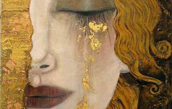 kvinna-grater-guld