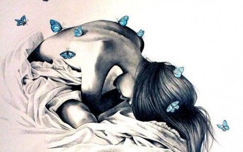 Kvinna-med-fjärilar