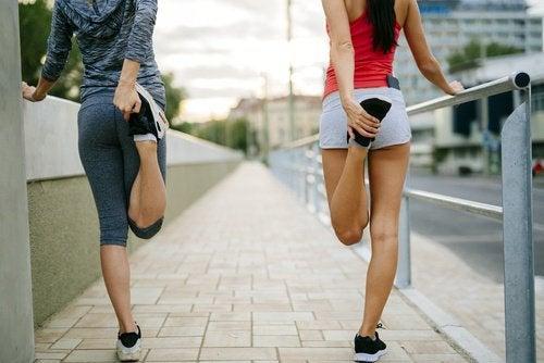 Stretchövningar kan minska smärtan