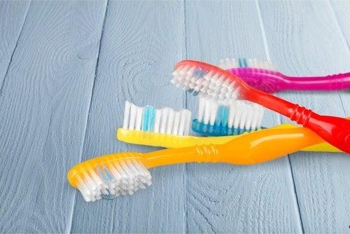 rengör dina tandborstar