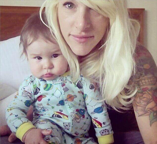 bebis-med-mamma