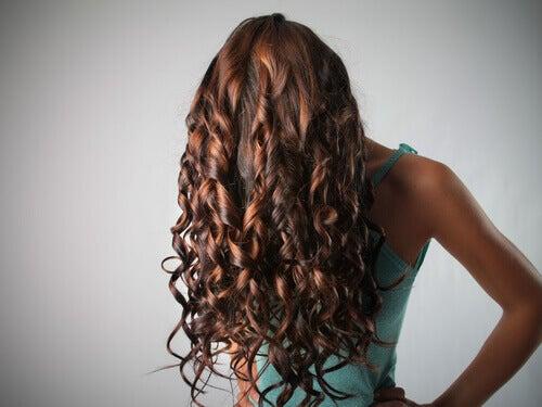 Silkeslent hår