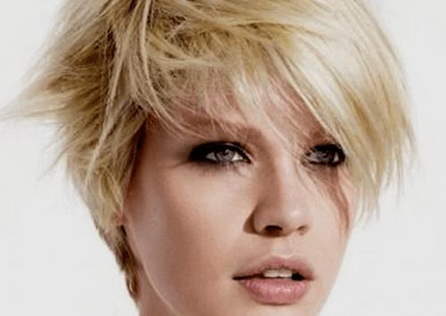halvkorta frisyrer kvinnor