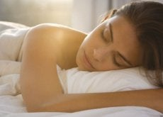 sovande-kvinna