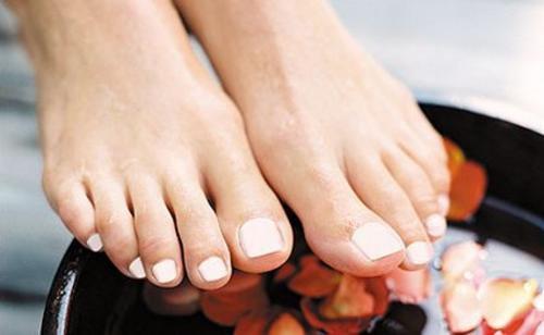 Använd vitlök för att behandla nageltrång