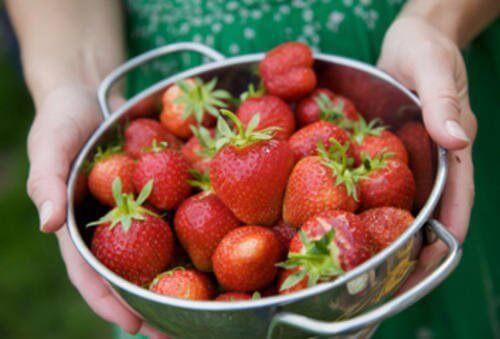 7 fantastiska fördelar med jordgubbar för huden