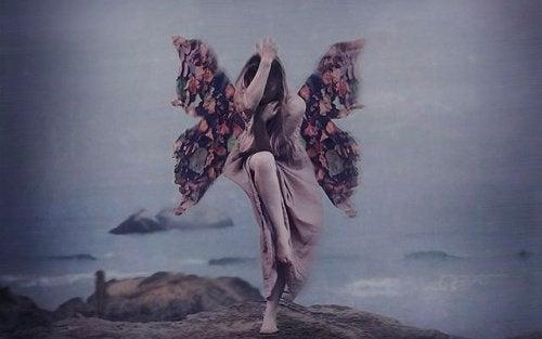 kvinna-med-vingar