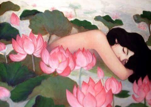 kvinna-bland-blommor