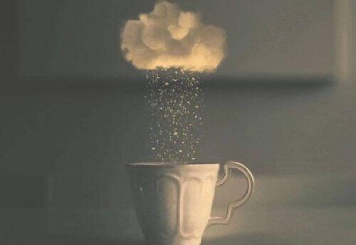 moln-over-kaffekopp