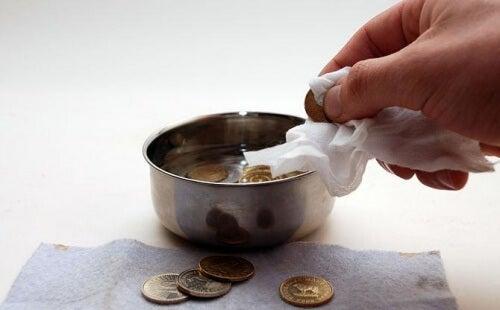 rengöra mynt