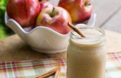 4 spektakulära äppelsmoothies för plattare mage