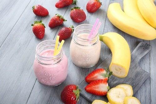 smoothie med banan och jordgubb