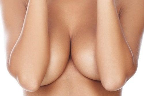 Mastit kan skapa bröstsmärta