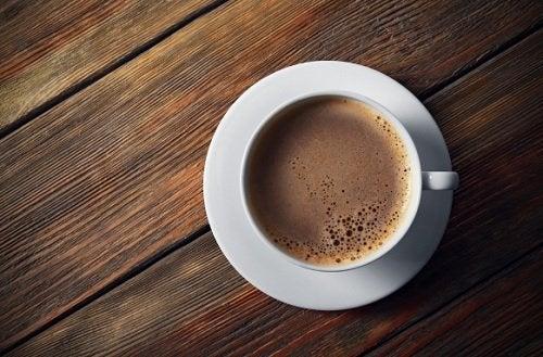 De 6 värsta ingredienserna du kan ha i ditt kaffe