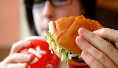 9 livsmedel som får dig att lukta sämre