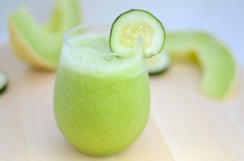 Gå ner i vikt med melon, äpple och gurka