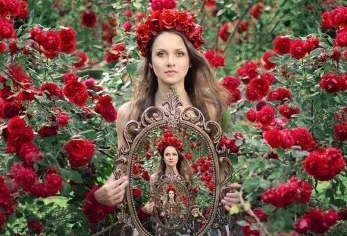 Kvinna bland rosor