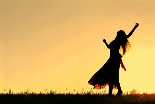 dansande-kvinna