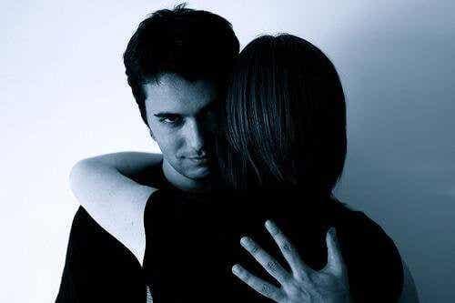 7 sätt misshandlare manipulerar andra