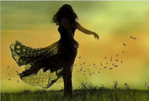 kvinna-pa-fält
