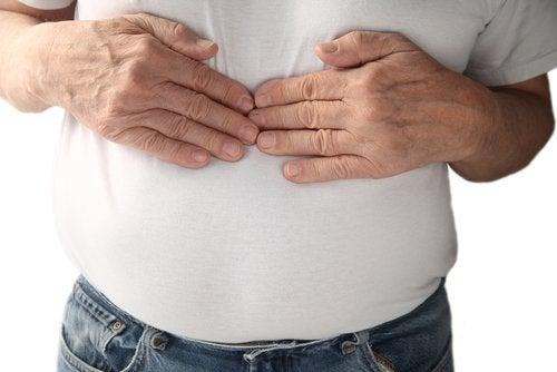 Halsbränna beror på uppstötning av magsyra.