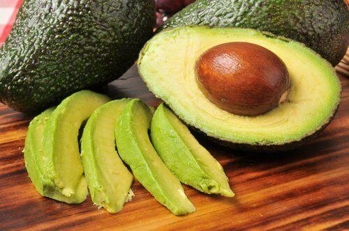 Avokado motverkar mättat fett