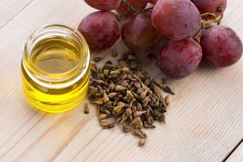 Druvkärmeolja har en hög koncentration av linolsyra