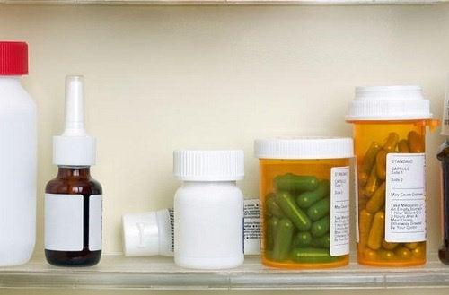 Mediciner i skåp