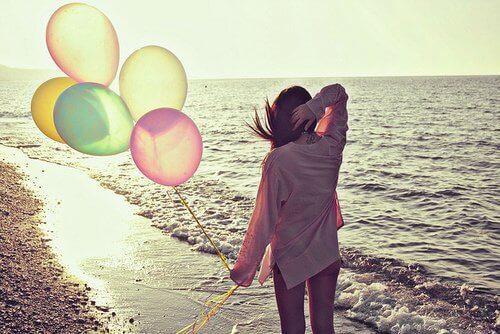 Ballonger på stranden
