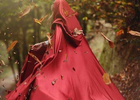 Kvinna i kappa