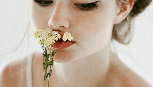 Luktar på blomma