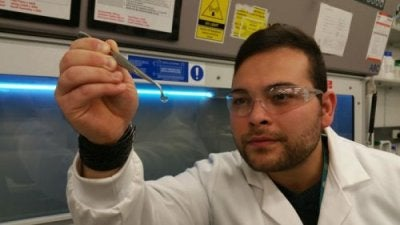 Dessa artificiella hornhinnor kan ge syn åt miljontals