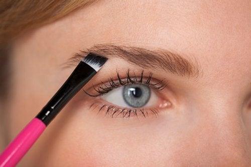 Grundtips för ögonbryn