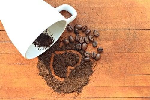 malt kaffe i en kopp