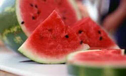 Vattenmelonskal förbättrar hälsan- 6 användningar