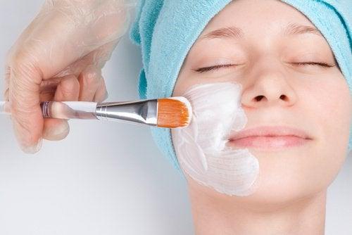 Penslar på ansiktsmask