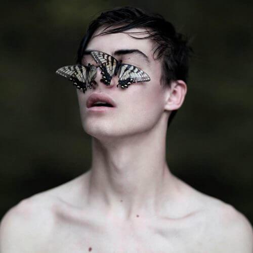Fjärilar på ansikte