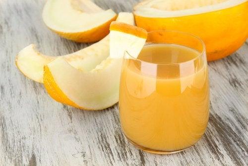 Melonvatten för att gå ned i vikt och sova bättre